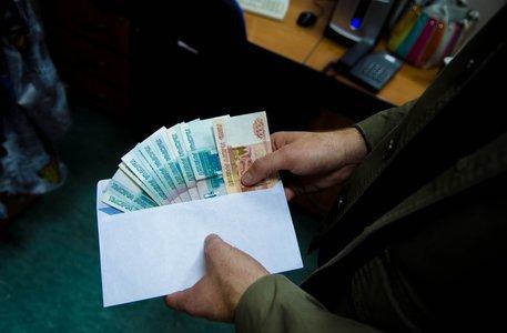 Начальник отдела ЖКХ задержан за получение коммерческого подкупа