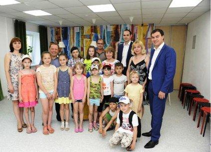 В Нижнекамске отремонтировали 49 - летнего ровесника города - подростковый клуб