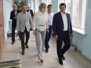 Ход капитальных ремонтов социальных объектов проверяет мэр Казани