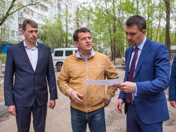 Мэр Казани лично проинспектировал ход выполнения работ в нескольких зеленых зонах