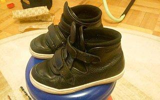 Качественный кожзаменитель для обуви