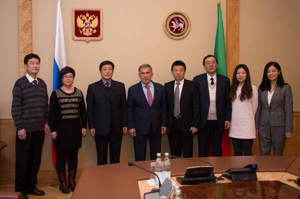 Китайские бизнесмены интересуются татарстанскими вертолётами и торговлей через интернет
