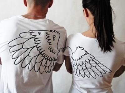 С помощью футболки с надписью можно проверить чувство юмора