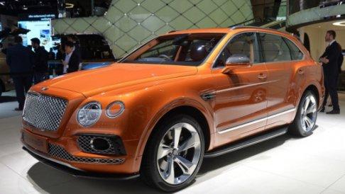 �������� Bentley ���������� ������� ���-��� � ������