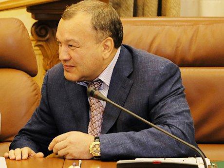 Названы десять богатейших парламентариев РТ