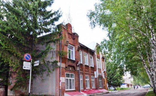 Дети из детдома Бугульмы получили жилье с мышами и протекающими потолками