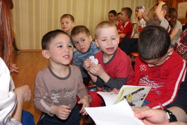 Осужденный из колонии в Казани помогает воспитанникам детского дома
