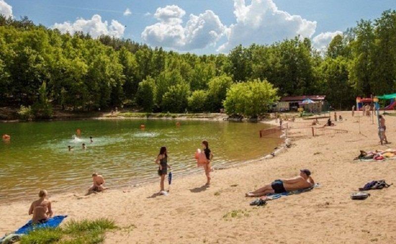 Дирекция парков и скверов впервые взялась за содержание пляжей на озерах Комсомольское и Лебяжье