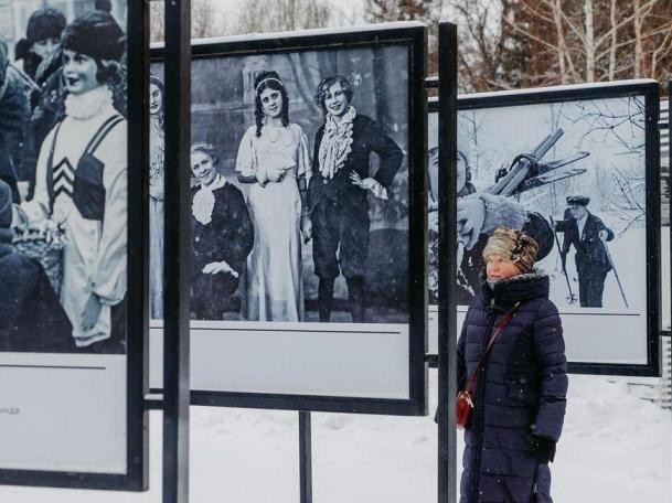 В парке им. Горького открылась фотовыставка «Новогодняя Казань»