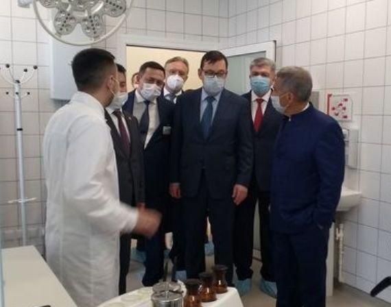 Р. Минниханов открыл в Набережных Челнах новый онкоцентр