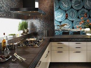 Плитка-мозаика: практичный и стильный интерьер кухни и ванной