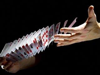 Раздачи карт в покере: теория для новичков и не только