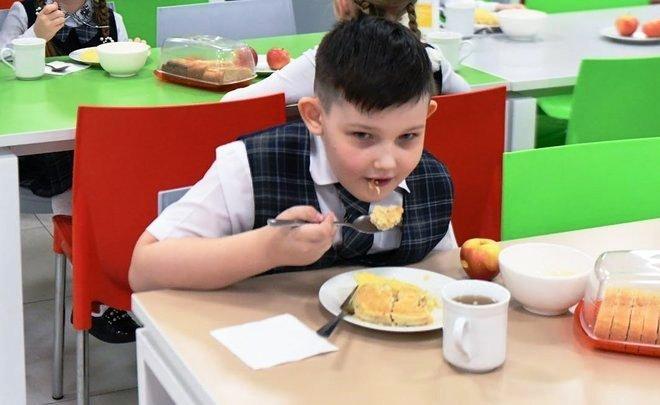 В мэрии Казани подвели итоги эксперимента по родительскому контролю за школьным питанием