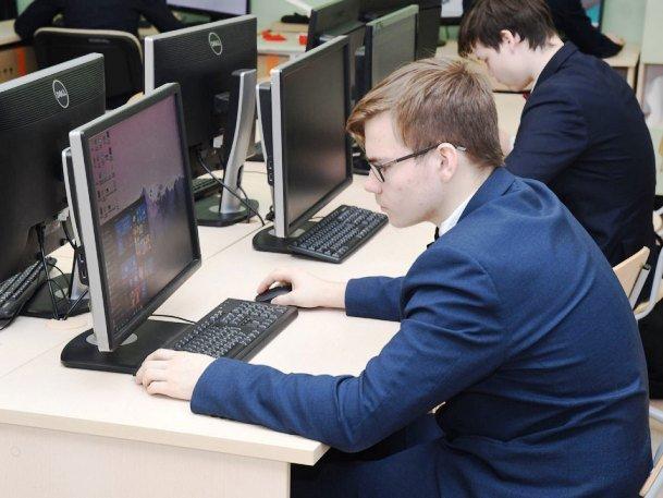 Казанские школьники стали призерами всероссийских олимпиад по экономике и химии