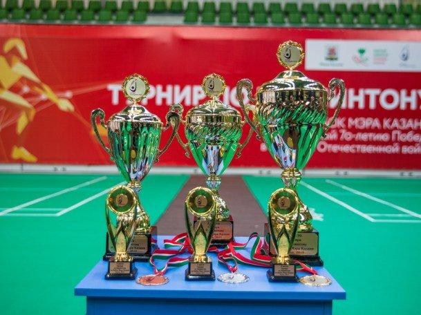 200 спортсменов прошли в финал турнира по бадминтону на Кубок Мэра Казани