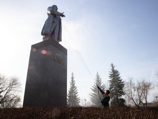 Банный день для памятников провели в Казани