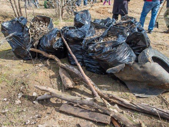 Активисты ДУМ РТ провели уборку на Ново-Татарском кладбище Казани