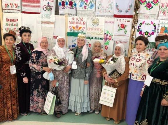 В Казани проходит Всемирный форум татарских женщин