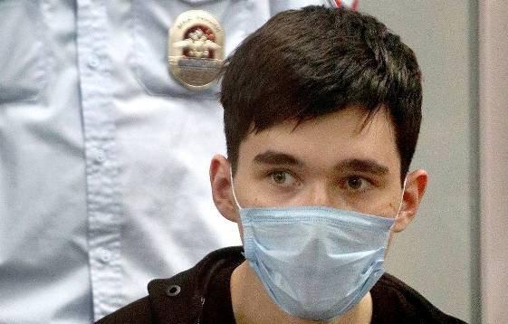 В СК опровергли информацию о завершении экспертизы устроившему «казанскому стрелку»
