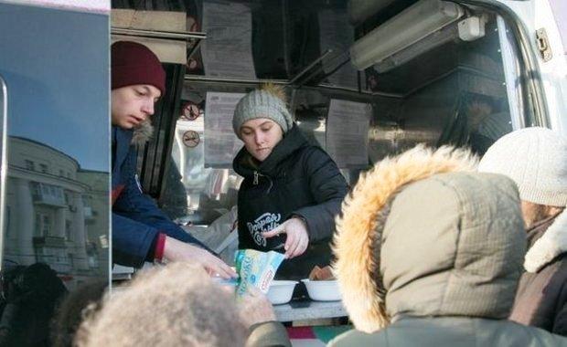 Волонтеры в Челнах перестали бесплатно кормить пьяных людей
